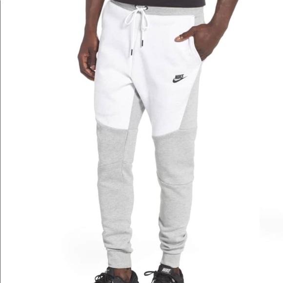 c26d6ade356e Nike Men s Tech Fleece Jogger Pants